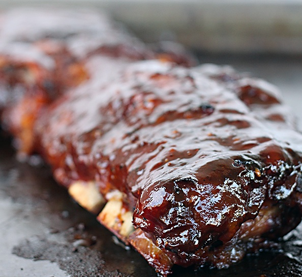 SLOW-COOKED BARBECUE RIBS [RECIPE]
