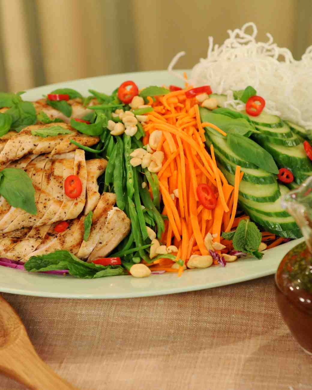 CHICKEN SALAD WITH THAI LIME-CHILE VINAIGRETTE [RECIPE]